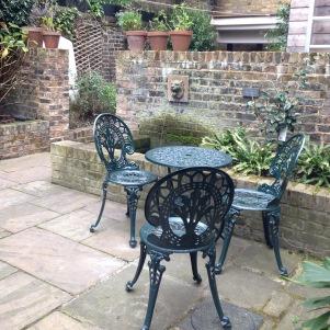 Dickens' courtyard/garden